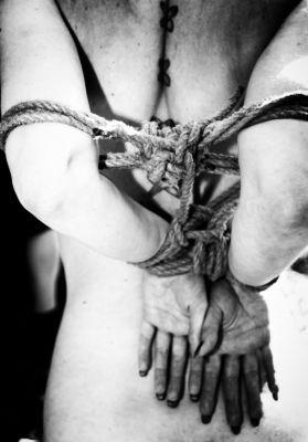 Un poco de bondage